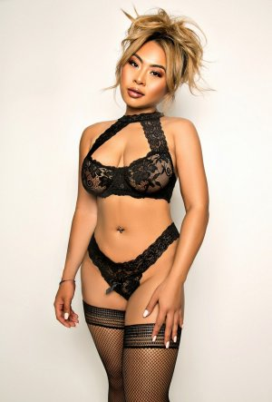Qetsia nuru massage in Lake Worth & escort