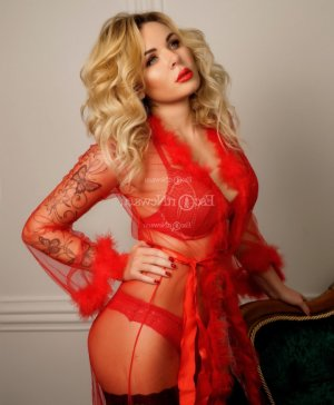 Svetlana call girl & happy ending massage