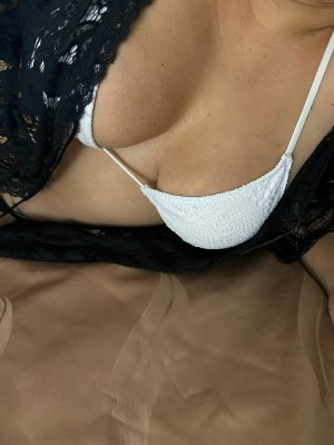 Fatine escorts, happy ending massage