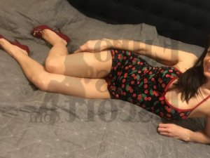 Lovaina thai massage, call girls