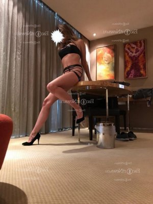 Ayda live escort in Middletown and nuru massage