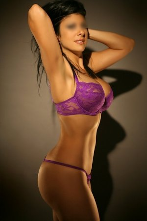 Anne-victoria nuru massage in Parkway & escort
