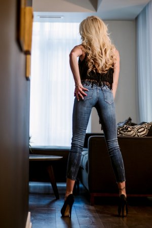 Jeannyne call girl in Riverview and happy ending massage
